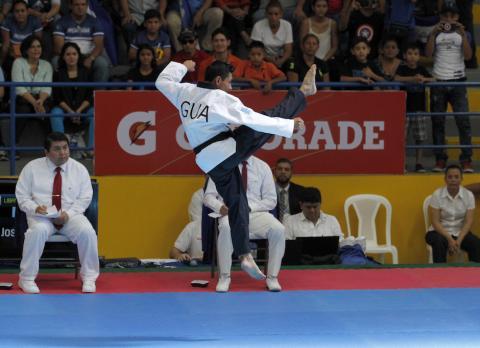 """Espectacular rutina de oro del """"poomsae"""" en taekwondo de los Juegos"""