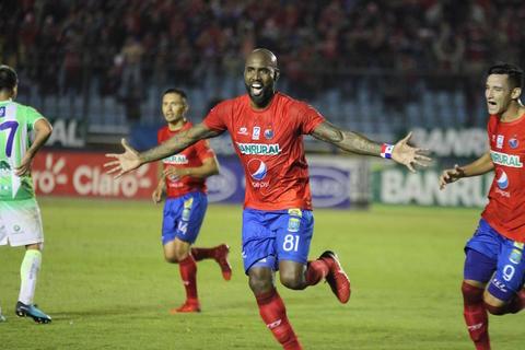 Municipal y Antigua se enfrentaron en el juego de ida del #Apertura2017