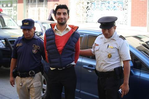 Hombre conduce vehículo por un favor y es acusado de robo