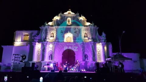 Sara Curruchich brilló en su concierto en Comalapa