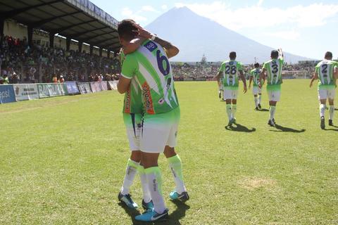 Antigua GFC marca el primer gol de la final