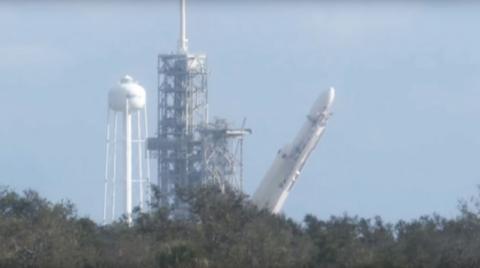 El cohete más poderoso del mundo está listo para despegar hacia Marte