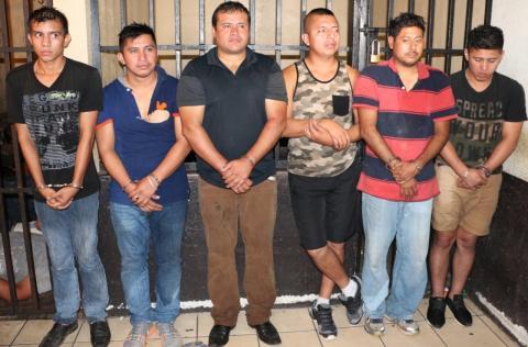 Capturan a tres agentes de PNC en Escuintla