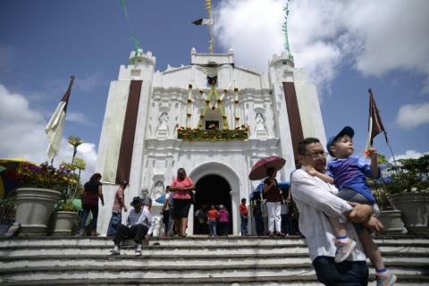 Así disfrutan los guatemaltecos la feria en el Cerrito del Carmen