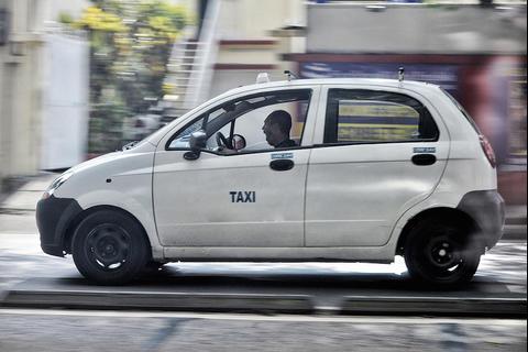 Conversaciones de taxi o el milagro de estar vivo en Guatemala