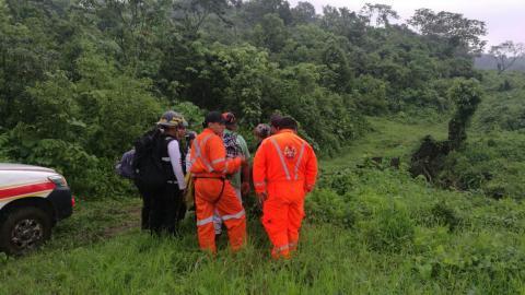 Así realizan la búsqueda de la avioneta en el volcán de Agua