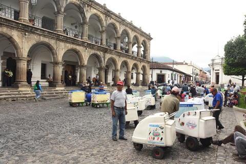 """""""Congelan"""" el comercio de helados en carretilla en La Antigua"""