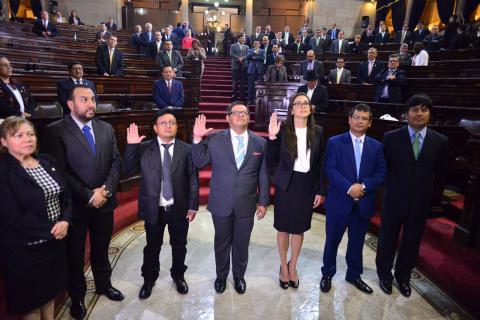 Tres nuevos diputados para sustituir a un prófugo y dos arrestados