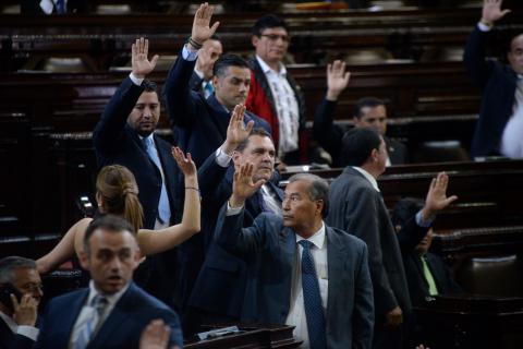 Reformas constitucionales no avanzan y el Congreso entrará en receso