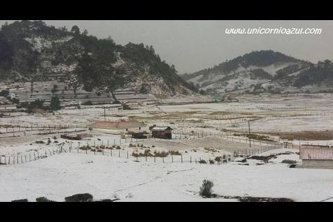 Pobladores de Huehuetenango fueron sorprendidos por caída de granizo