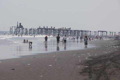 Así puedes contribuir para reducir la contaminación en océanos