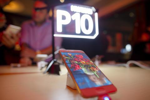 El Huawei P10 esconde una cámara profesional en su diseño