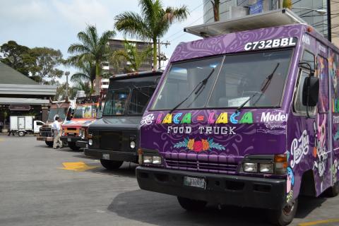Food Trucks se aglomeran en una gremial para garantizar su servicio