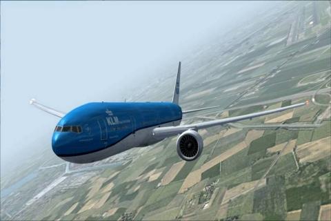 Aterrador momento en que un rayo impacta sobre un avión en pleno vuelo