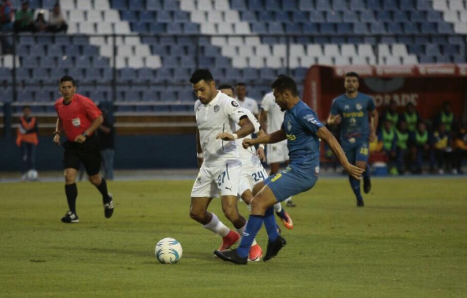 Comunicaciones firma un pobre empate de local frente a Cobán