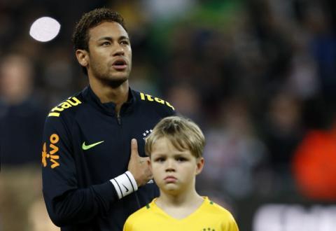 """Neymar reveló la """"verdad"""" de su salida del Barça a unos niños"""