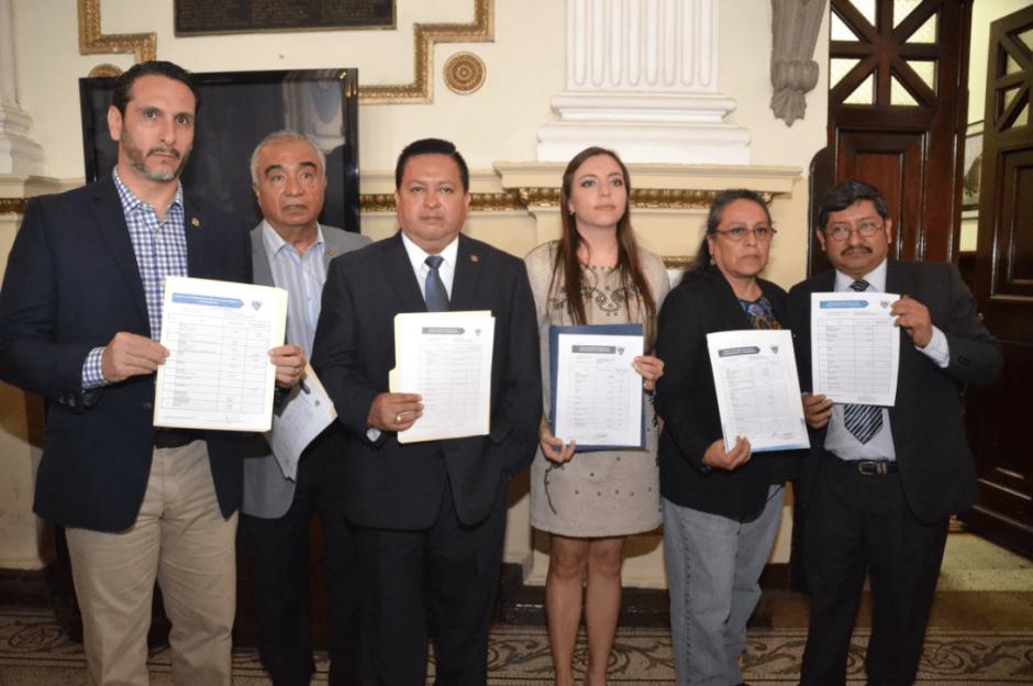 Seis diputados se plantan contra el #PactoDeCorruptos