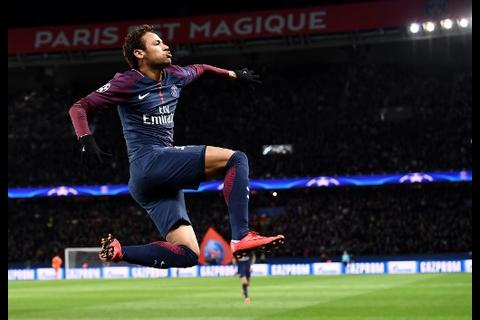 """El increíble """"túnel"""" que hizo Neymar ante el Celtic"""
