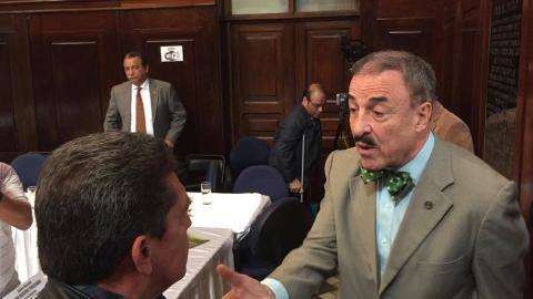 Joviel Acevedo y Linares Beltranena protagonizan acalorada discusión