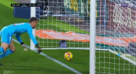 El gol del Barça que todo el mundo vio, menos el árbitro