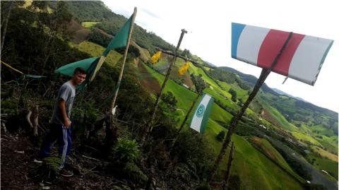 """La vida en """"Cerro Chapecoense"""", a un año de la tragedia"""