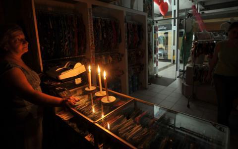 Anuncian cortes de energía en la capital durante el fin de semana