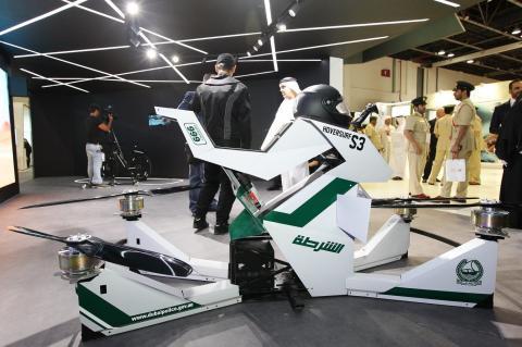 """Policía de Dubai muestra las """"Hoverbikes"""" para patrullar desde al aire"""