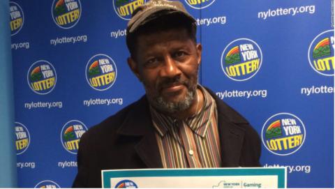 Encuentra boleto ganador de lotería a dos días de vencerse el plazo