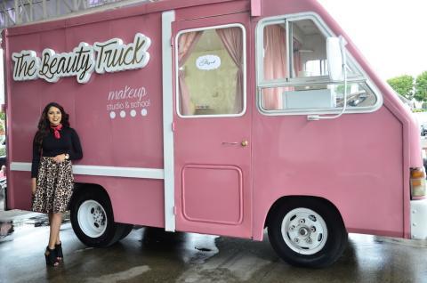 """""""The Beauty Truck"""", un salón de belleza sobre ruedas"""