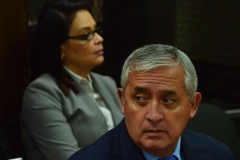 Abogado de Otto Pérez Molina pide cerrar el caso La Línea