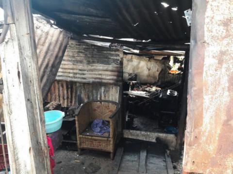 Dos niños mueren en incendio cuando sus padres los dejaron solos