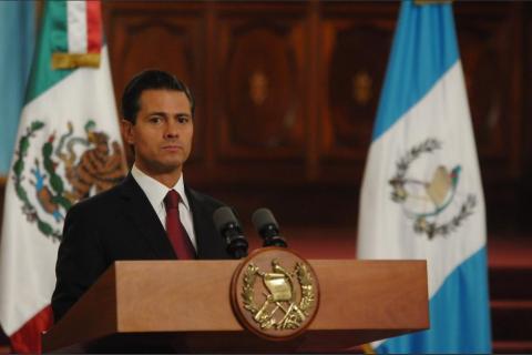 """La drástica carta de una niña a Peña Nieto: """"deje de robar"""""""