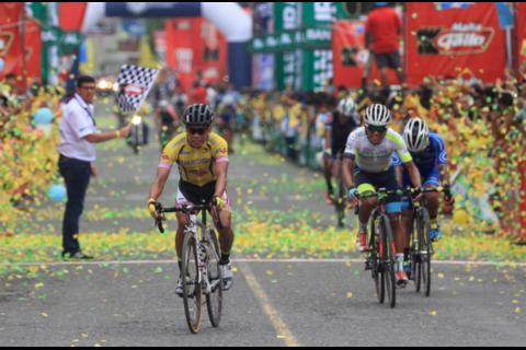 Guatemala gana etapa y se adueña del liderato de la Vuelta 2017