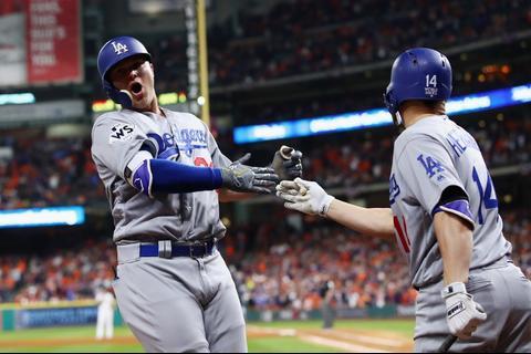 Dodgers vencen a los Astros en Houston y la Serie Mundial está 2-2