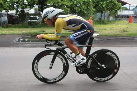 Manuel Rodas vuela en la contrarreloj y es el nuevo líder de la Vuelta