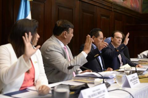 Pesquisidora pospone entrega de informe por antejuicio a Jimmy Morales