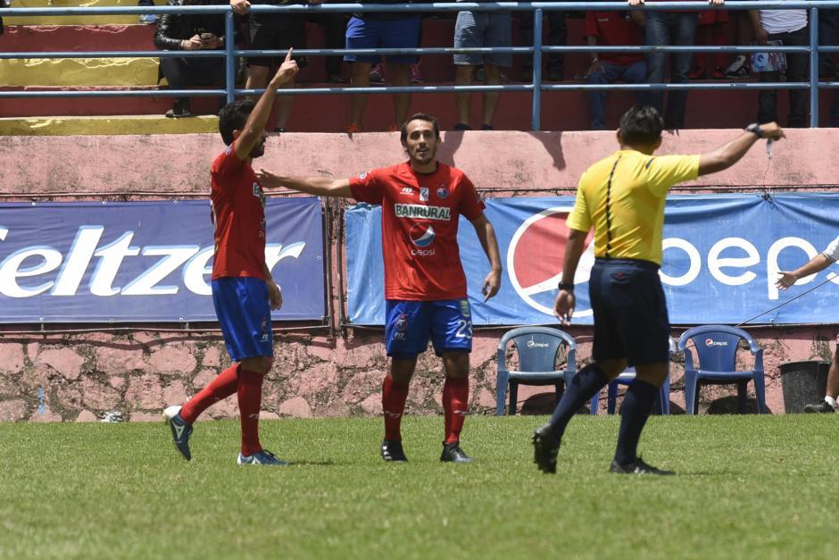 Rojos en ascenso y los Cremas evitan su cuarta derrota consecutiva