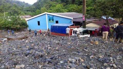 Desborde de río en Alta Verapaz deja un muerto y varios desaparecidos