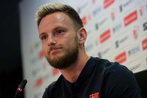Espeluznante cicatriz con la que Rakitić salió a jugar ante el Sevilla