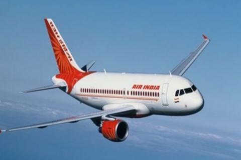 Turbulencia causa que un avión pierda una ventanilla en pleno vuelo