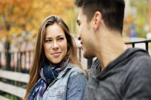 Hay una razón por la que no se ve directo a los ojos cuando se habla