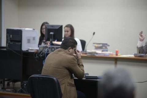 Juan Carlos Monzón se queja de dolor de cabeza y audiencia se suspende