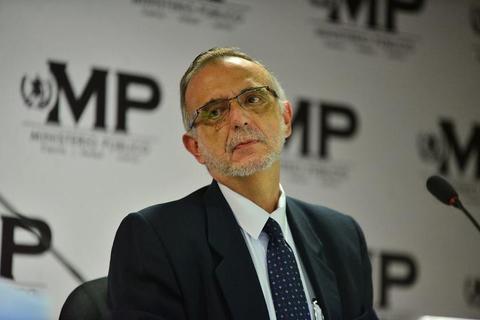 Esto responde el comisionado Iván Velásquez al Ministro de Gobernación