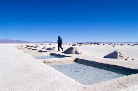 ¿Por qué Bolivia podría ser la próxima potencia mundial en celulares?
