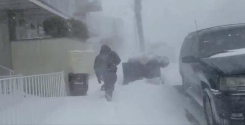 Así vive un guatemalteco la mega tormenta polar en Nueva York