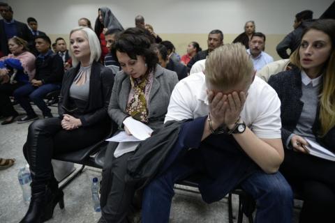 Tribunal impone penas de 14 a 19 años a los Bitkov por Caso Migración