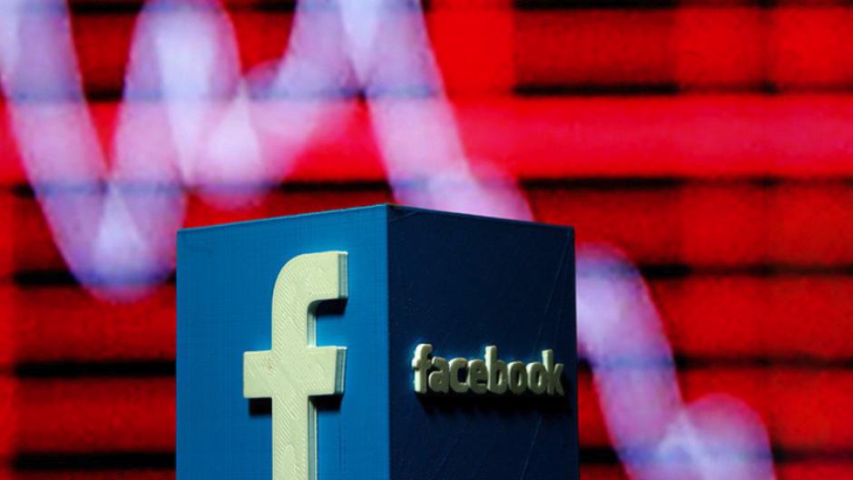 Facebook cae en la bolsa de valores por cambio en su algoritmo