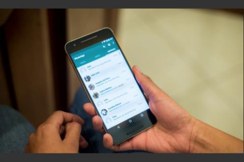 Descubren falla en WhatsApp que permite a otros espiar tus mensajes
