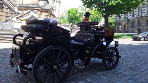 Animalistas proponen uso de carruajes eléctricos en Antigua Guatemala