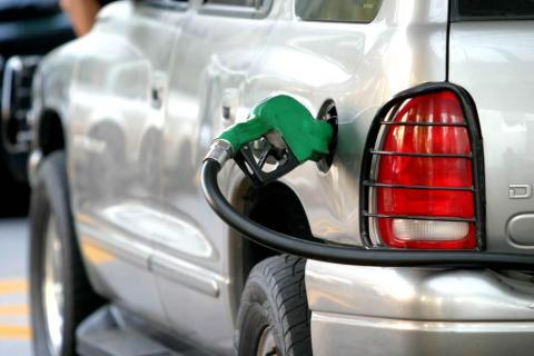 Precio de la gasolina podría subir más por el frente frío en EE. UU.